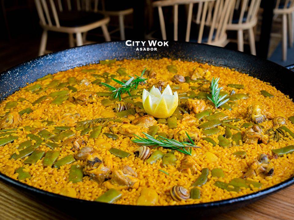 Gastronomía mediterránea en City Wok Elche, Alicante