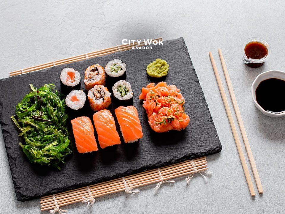 Diferentes tipos de sushi en Asador City Wok Elche